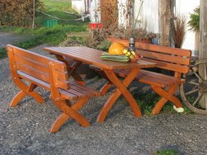 Záhradná drevená lavica STRONG