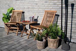 Záhradná jedálenská stolička Lana, teak