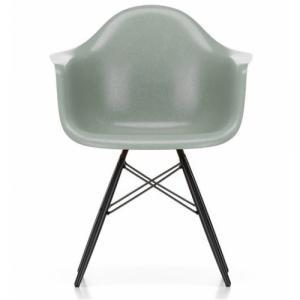 Židle Eames Fiberglass DAW