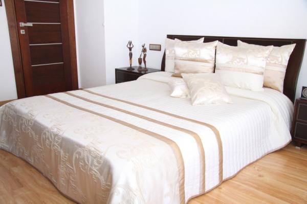 DomTextilu Luxusný prehoz na posteľ krémový s karamelovými pásmi Šírka: 170 cm   Dĺžka: 230 cm 2483-104078