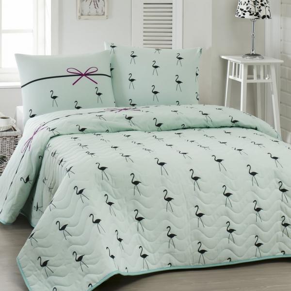 Prikrývka cez posteľ na dvojlôžko s obliečkami na vankúše Flamingo, 200 × 220 cm