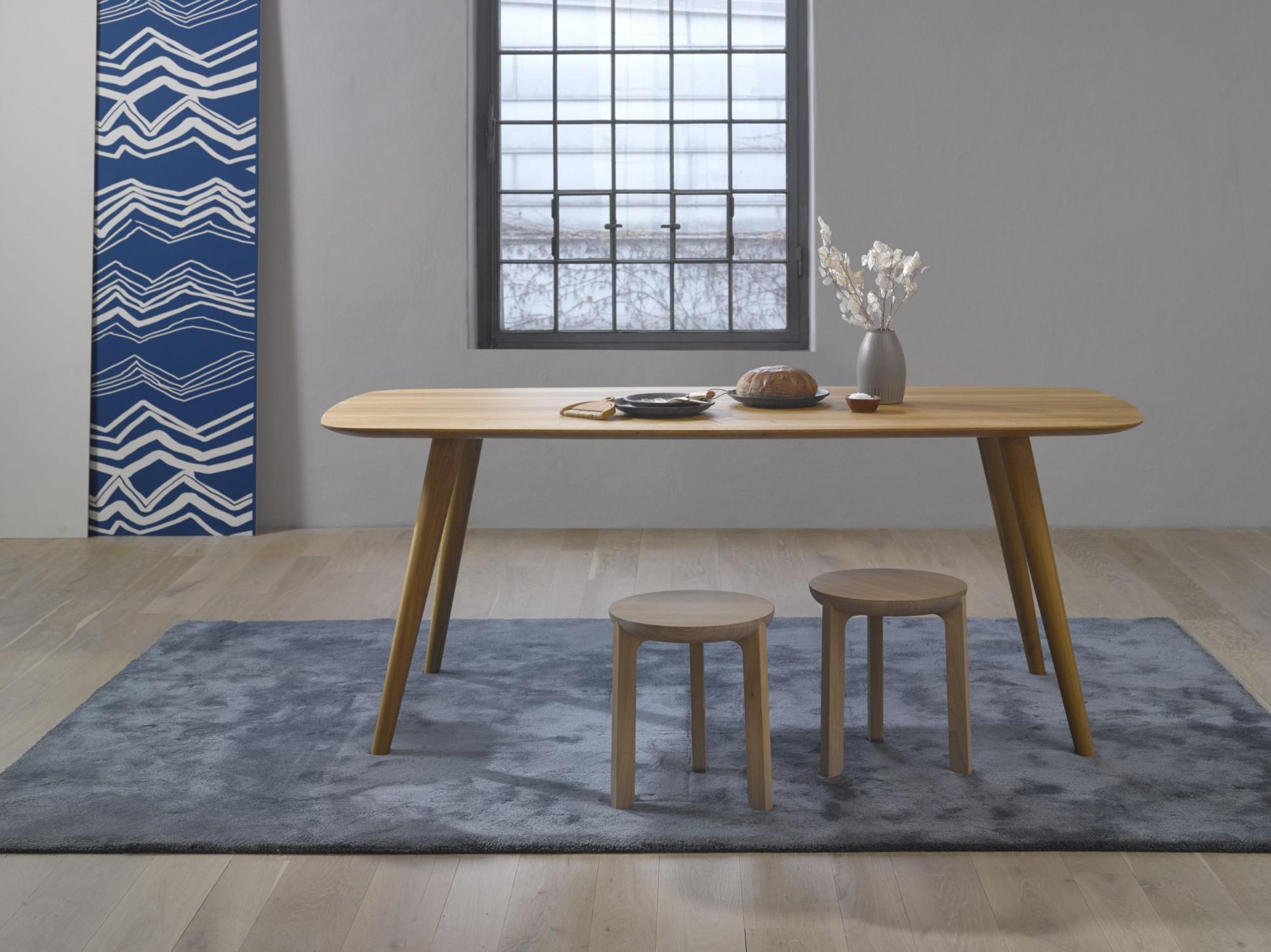 Masívny dubový stôl od firmy Javorina