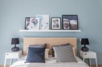 Manželská posteľ s dreveným záhlavím