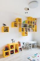 Vzdušná detská izba v kombinácii žltej a bielej