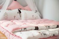 Detská posteľ s baldachýnom