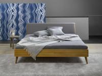 Dubová posteľ s čalúneným čelom od firmy Javorina