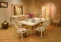 Starožitný biely jedálenský stôl pre šesť osôb