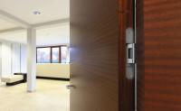 Kovanie v interiérových dverách