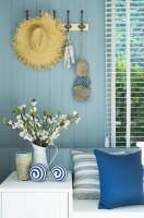 Vázy a dekorácie vo farbách leta