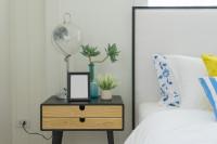 Stolová lampa a dizajnový nočný stolík
