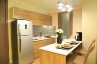 Malá kuchyňa v béžových tónoch
