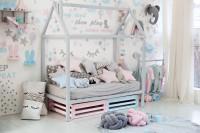 Detská posteľ domček v pastelových tónoch