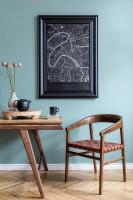 Dizajnový drevený stôl a stolička v škandinávskom štýle
