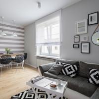Čiernobiely nábytok v škandinávsky ladenej obývačke