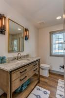 Kúpeľňová skrinka s umývadlom v rustikálnom štýle