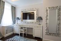 Barokové nástenné zrkadlá a toaletný stolík