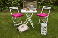 Skladacie drevené záhradné stoličky s podsedákmi a stolík