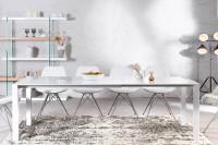 Veľký biely jedálenský stôl s vysokým leskom