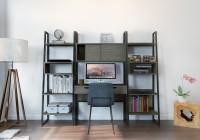 Jednoduchý drevený regál s pracovným stolom