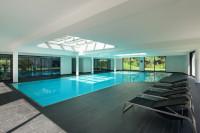 Luxusný bazén, domáca posilňovňa a lehátka