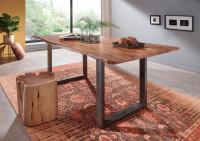 Masívny jedálenský stôl z akáciového dreva