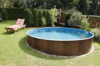 Okrúhly bazén v záhrade