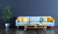 Hnedý paletový stolík na kolieskach