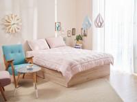 Romantická spálňa v ružových odtieňoch