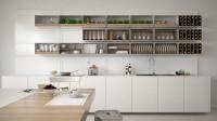 Moderná biela kuchynská linka s otvorenými skrinkami