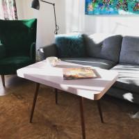 Zrenovovaný retro stolík od Patty a Selma