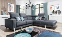 Veľká obývacia izba v modernom štýle