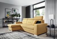 Priestranná moderná obývacia izba s rohovou žltou sedačkou