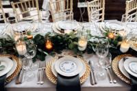 Honosné svadobné stolovanie v zlatom