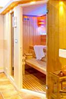 Sauna s trojposchodovým sedením
