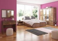 Spálňa s dubovým nábytkom s vysokým leskom