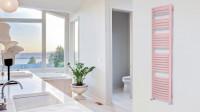Veľká moderná kúpeľňa v prírodných svetlých odtieňoch