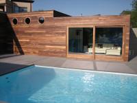 Zapustený bazén na terase