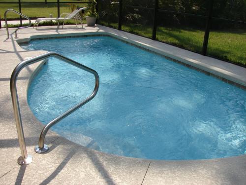 Vonkajší bazén nepravidelných tvarov