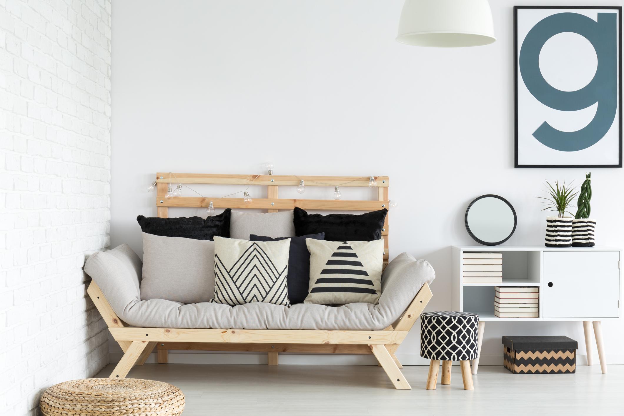 iStock-KatarzynaBialasiewicz Living room.jpg