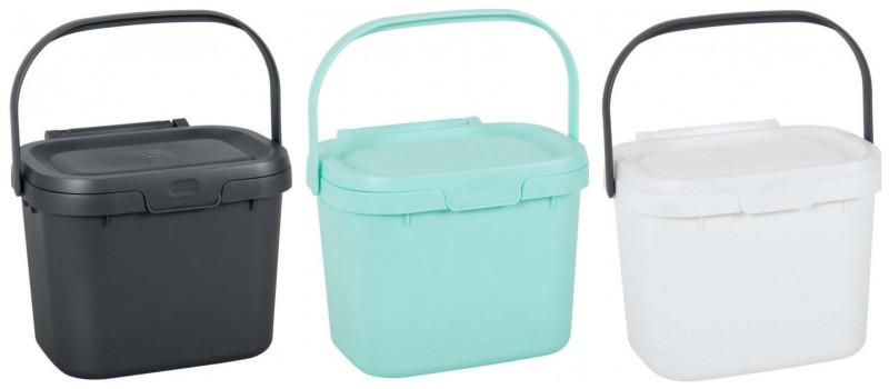 Farebné plastové vedierka na odpad