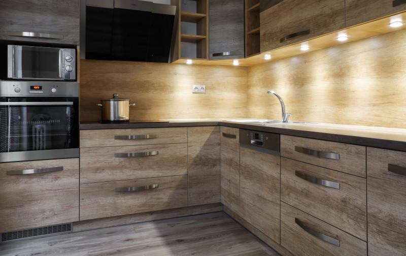 Bodové osvetlenie pracovnej plochy na kuchynskej linke
