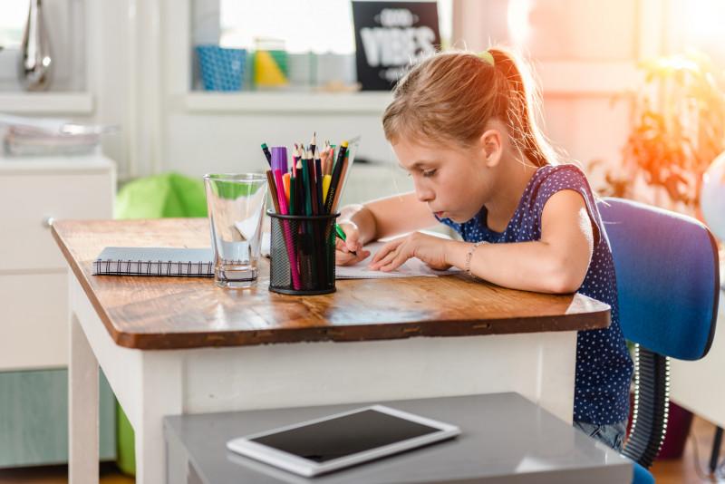 Zásady zdravého sedenia za pracovným stolom - #553