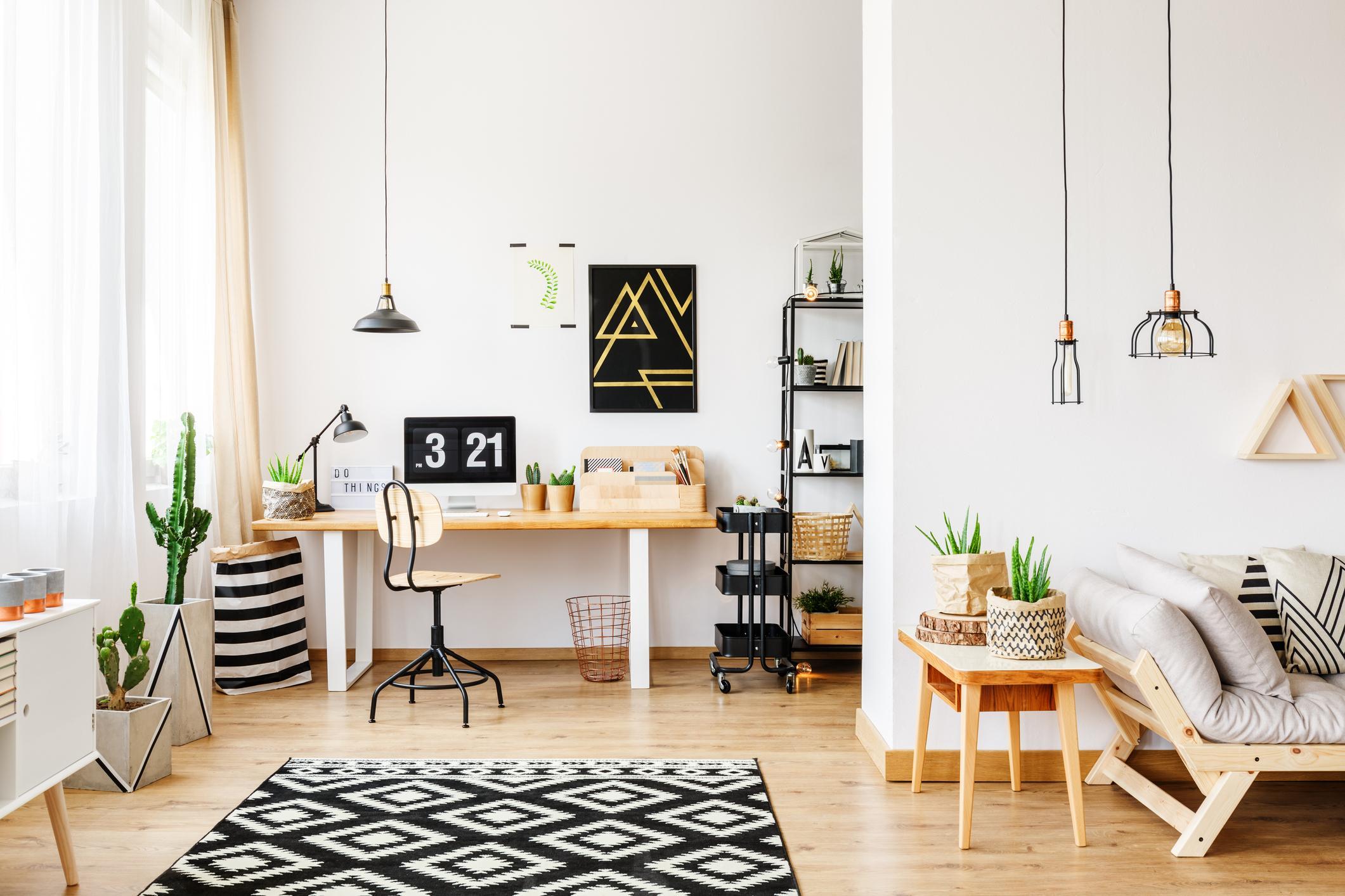 Obývačka s pracovným kútikom