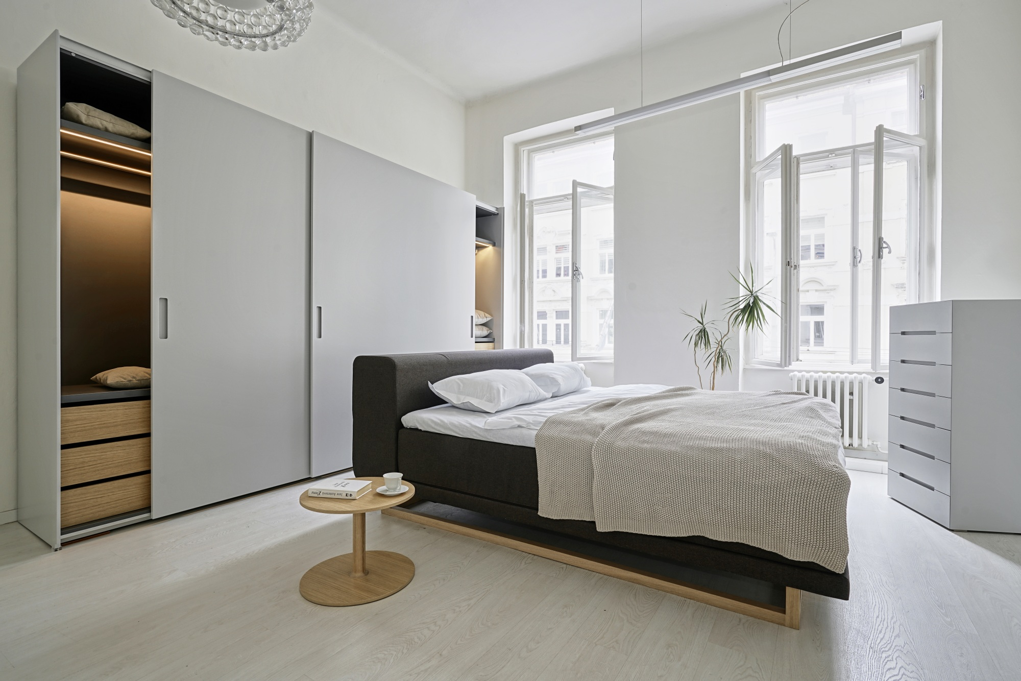 Ivan Čobej z Briku: Interiéry sú menej zaplnené nábytkom ako kedysi