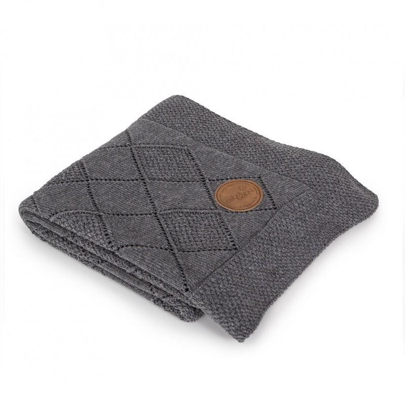 CEBA - Deka pletená v darčekovom balení 90 x 90 ryžový vzor tmavo šedá