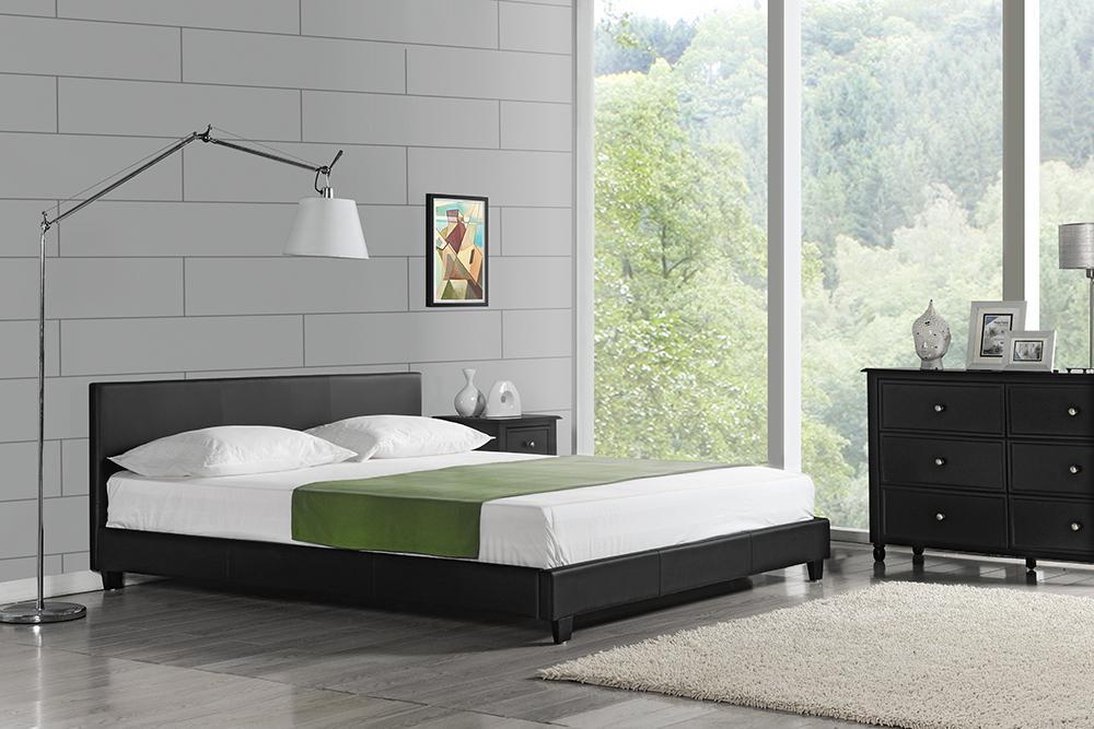 Corium® Moderná čalúnená posteľ