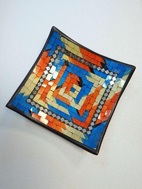 Dekoračná miska  oranžová farebná,hranatá, ručná mozaika