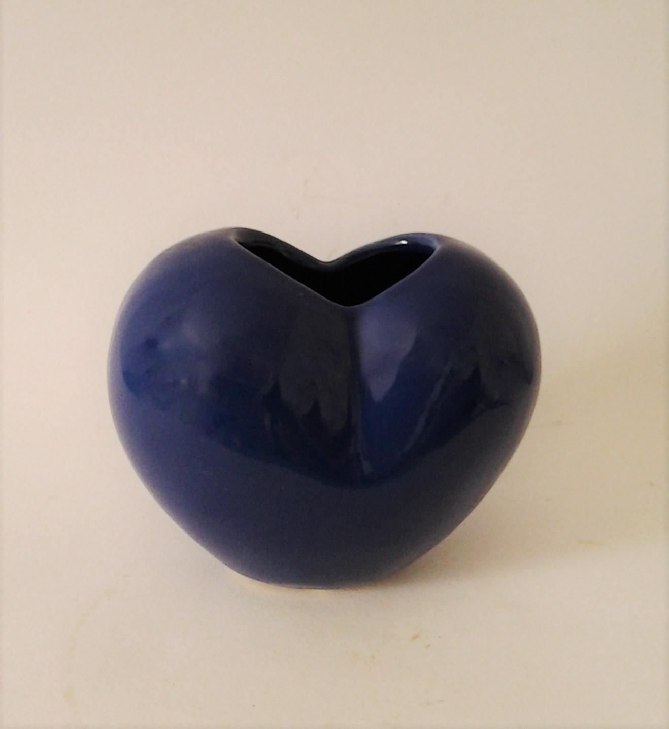 dekoračná váza srdiečko modré 13 x 7 10 cm