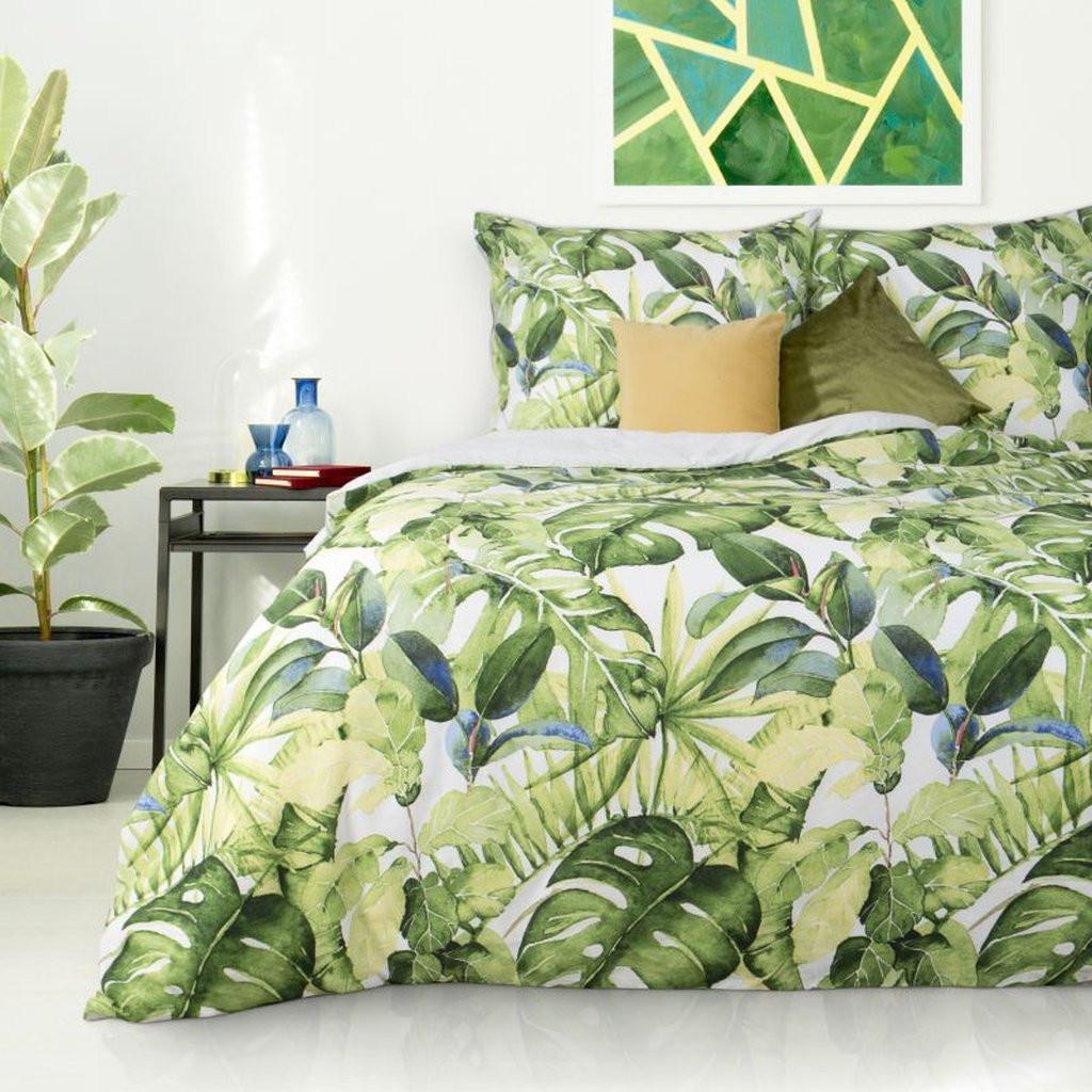 DomTextilu Bavlnené posteľné obliečky s exotickým motívom zelenej farby 3 časti: 1ks 160 cmx200 + 2ks 70 cmx80 Zelená 25441-149692