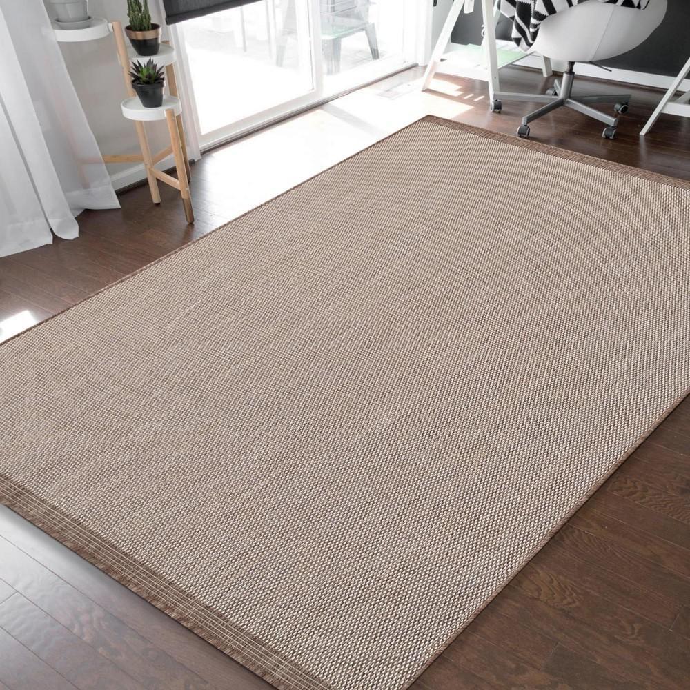 DomTextilu Jednoduchý a praktický hladký koberec hnedej farby 45443-215302